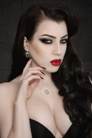 Vanyanis Corset Jewellery Model: Threnody in Velvet © Iberian Black Arts