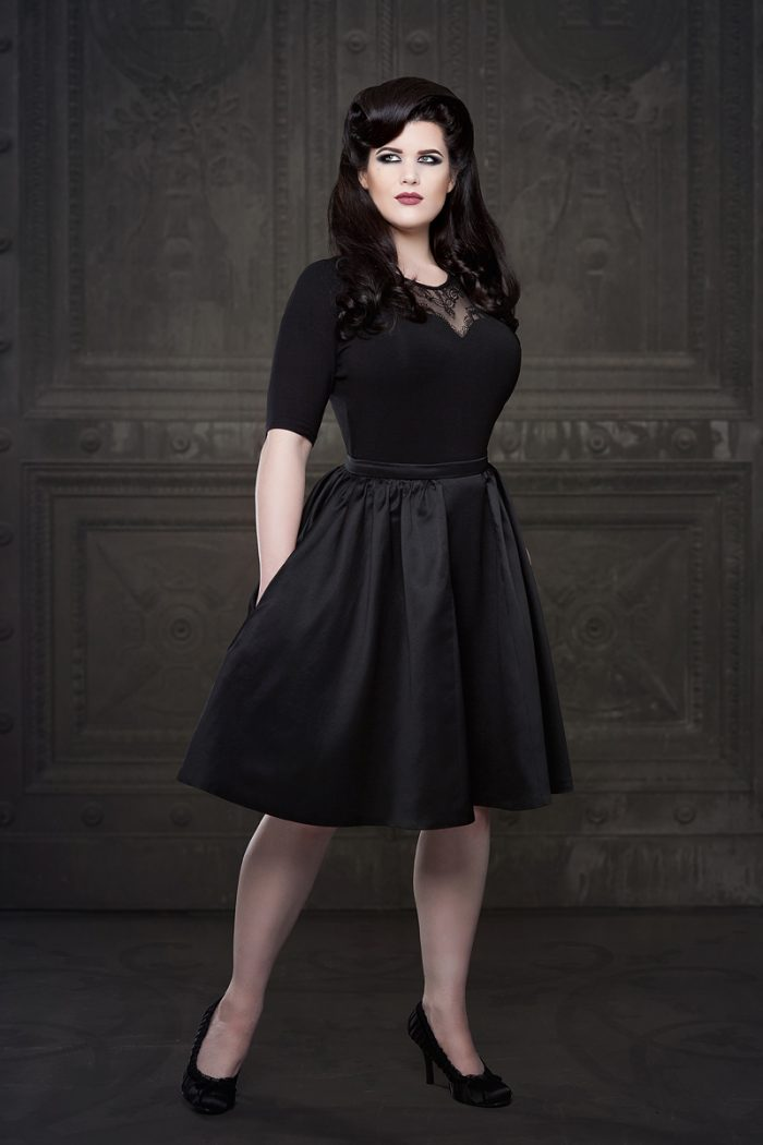 Vanyanis-Ebonique-Black-Satin-Skirt-model-Lowana-OShea-(c)Iberian-Black-Arts-4585