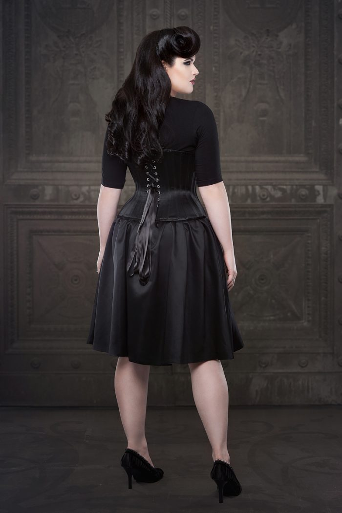 Vanyanis-Ebonique-Black-Satin-Skirt-model-Lowana-OShea-(c)Iberian-Black-Arts-4628