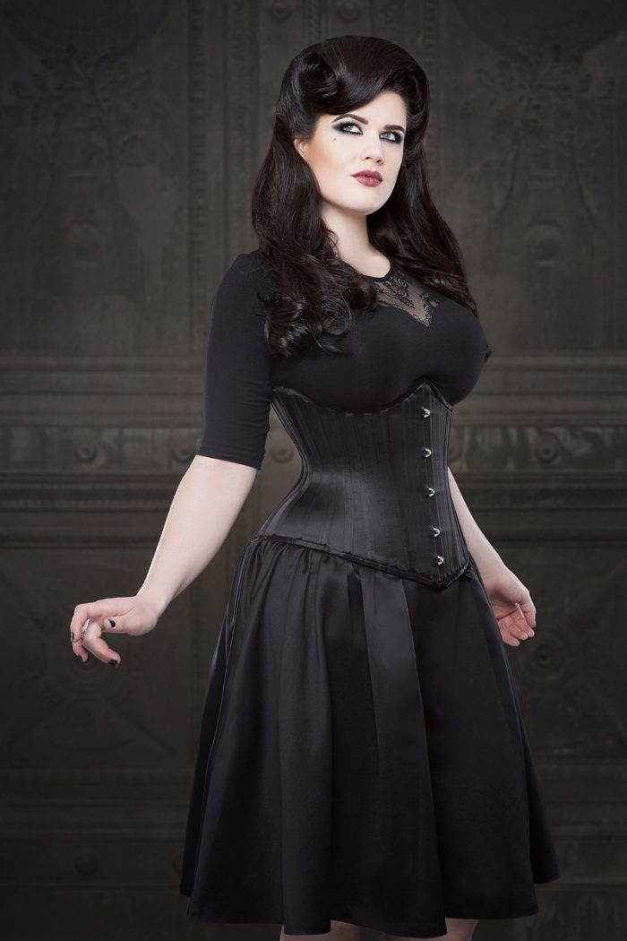 Vanyanis-Ebonique-Black-Satin-Skirt-model-Lowana-OShea-(c)Iberian-Black-Arts-4648