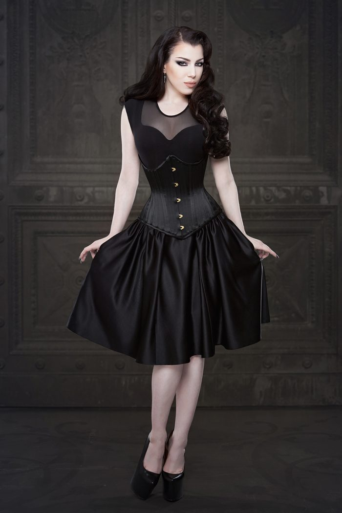 Vanyanis-Ebonique-Black-Satin-Skirt-model-Threnody-in-velvet-(c)Iberian-Black-Arts-4354