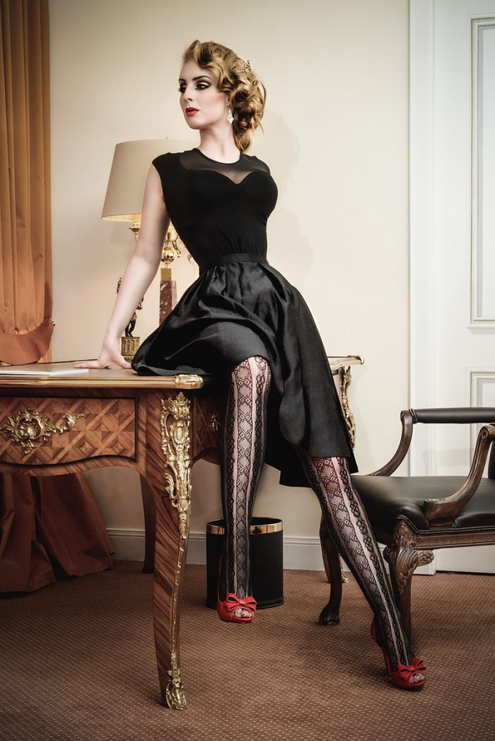 Vanyanis-Ebonique-Black-Satin-Skirt__model-Troys-Seducement_(c)-grahlfoto.de-0276