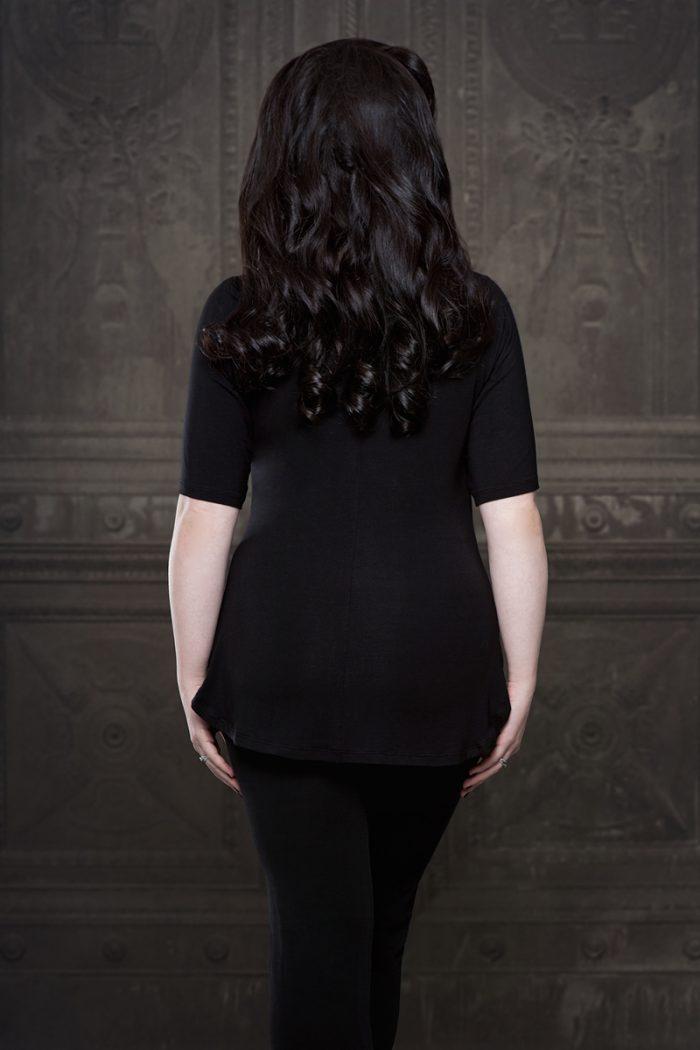 Vanyanis-Ebonique-Sweetheart-Top-Lace-Mid-Length-Sleeves_-model-Lowana-OShea-(c)-Iberian-Black-Arts-4526