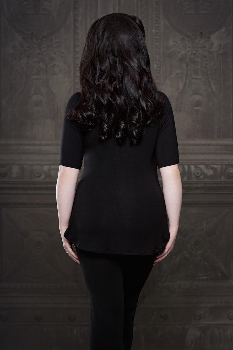 Ebonique Collection by Vanyanis. Model: Lowana O'Shea © Iberian Black Arts