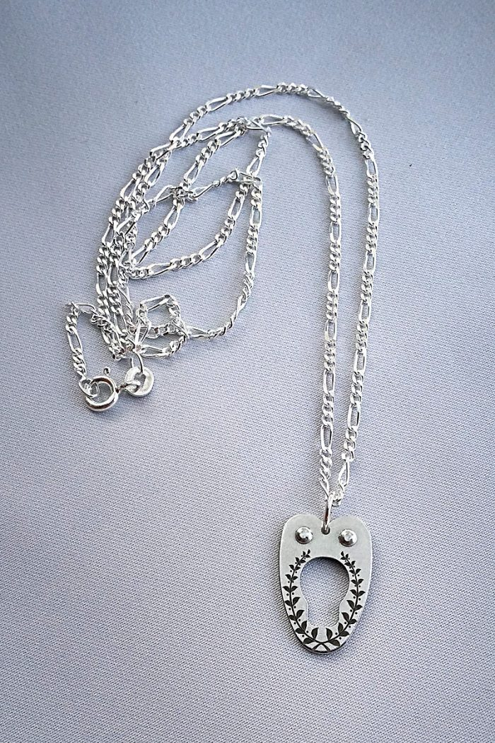 corset-necklace-silver-chain-front