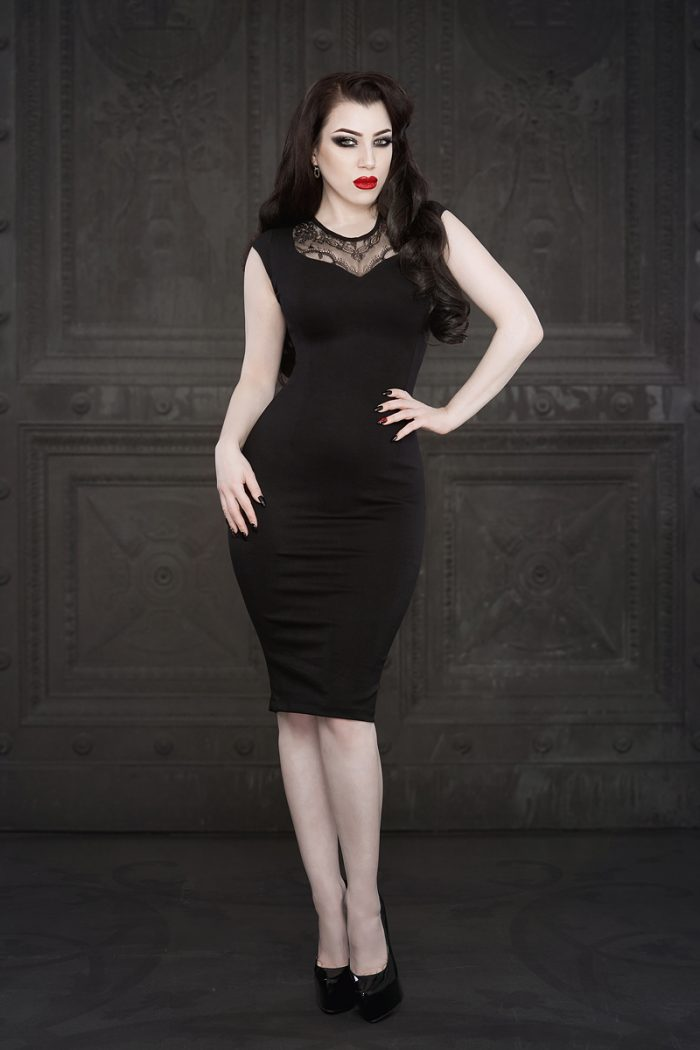Ebonique-Pencil-Dress-1-by-Vanyanis-model-Threnody-in-Velvet-lace-1-Photo-(c)-Iberian-Black-Arts