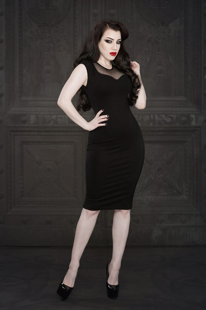 Ebonique-Pencil-Dress-Mesh-1-by-Vanyanis-model-Threnody-in-Velvet-Photo-(c)-Iberian-Black-Arts