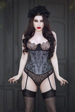 Lillian Corset by Vanyanis modelled by Threnody in Velvet © Iberian Black Arts