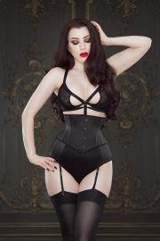 Andrea Cincher by Vanyanis modelled by Threnody in Velvet © Iberian Black Arts