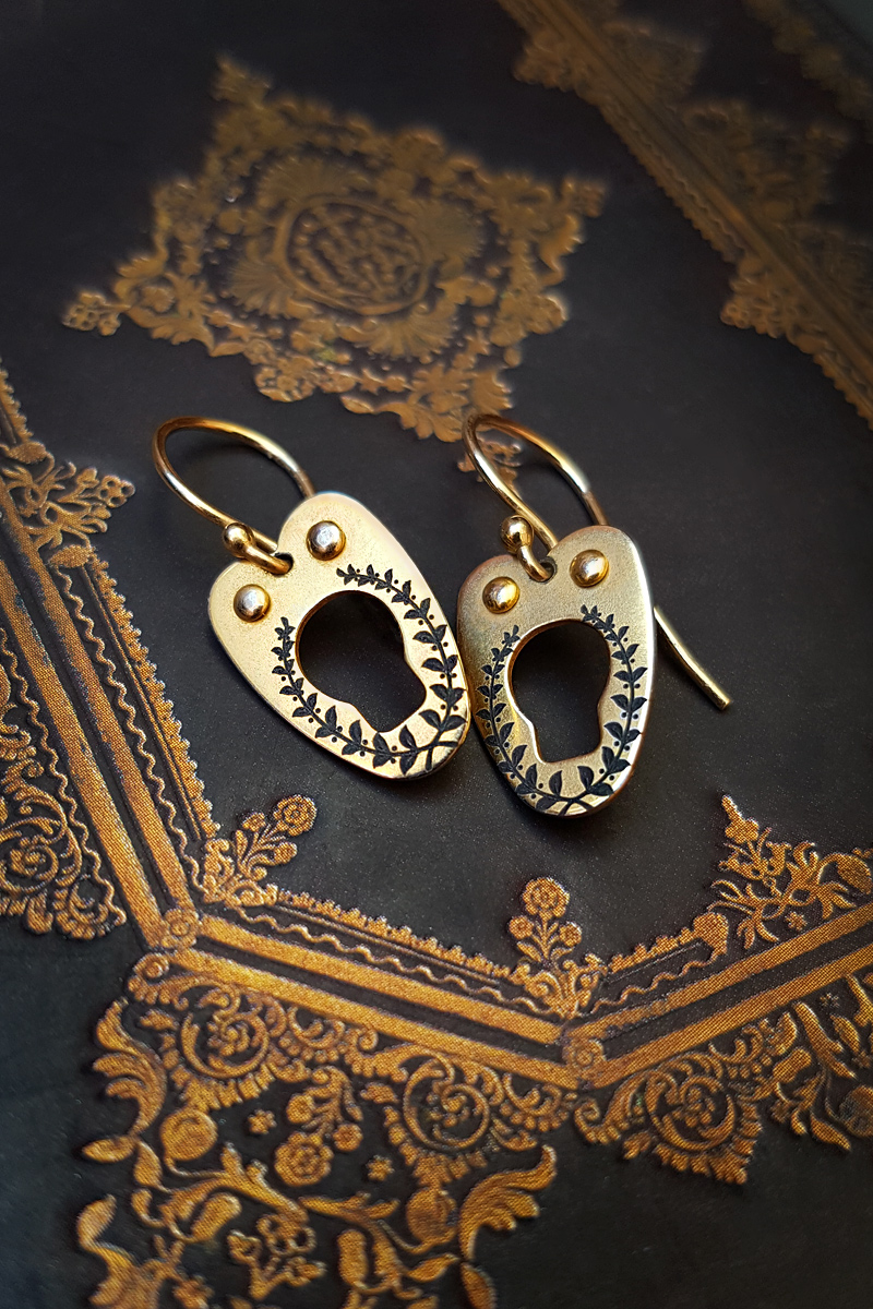 Vanyanis Gold Corset Earrings
