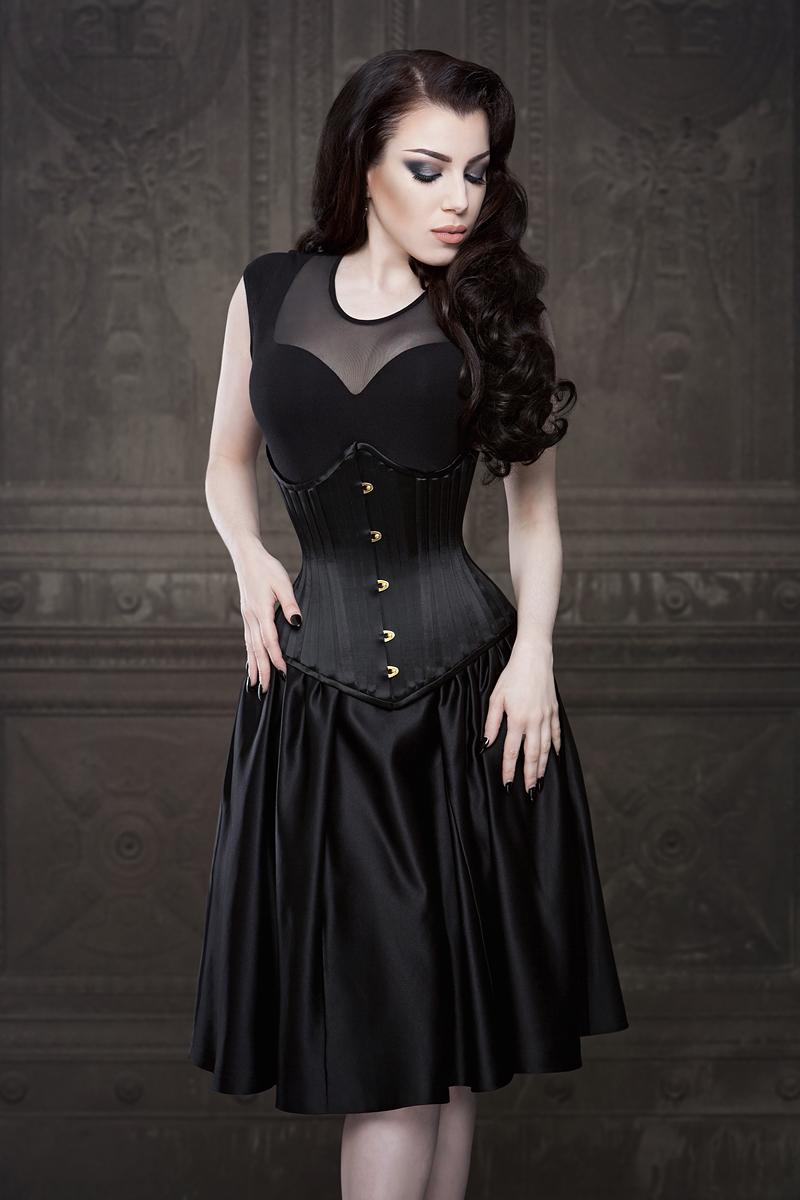 Ebonique Collection by Vanyanis with Emmelie Underbust.. Model: Threnody in Velvet © Iberian Black Arts