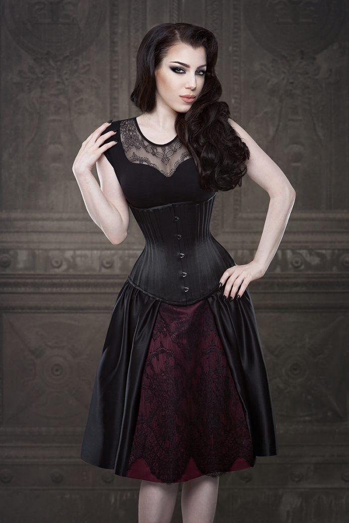 Vanyanis-Ebonique-Black-Satin-Skirt-model-Threnody-in-velvet-(c)Iberian-Black-Arts-4488