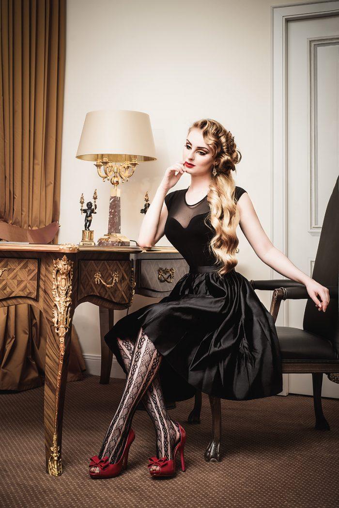 Vanyanis-Ebonique-Black-Satin-Skirt__model-Troys-Seducement_(c)-grahlfoto.de-0260