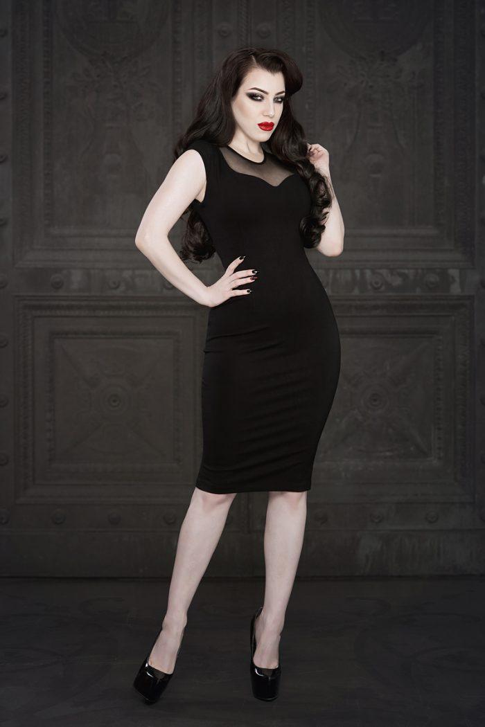Ebonique-Pencil-Dress-Mesh-1-by-Vanyanis-model-Threnody-in-Velvet-Photo-(c)-Iberian-Black-Arts