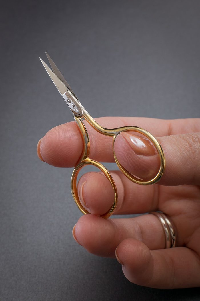 Gold-Embroidery-Scissors-Vanyanis