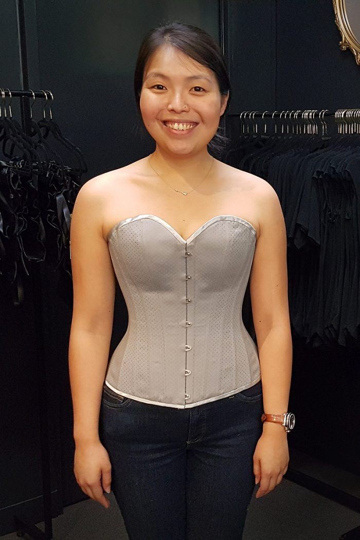 Overbust-corsetmaking-student-christine-©-Vanyanis