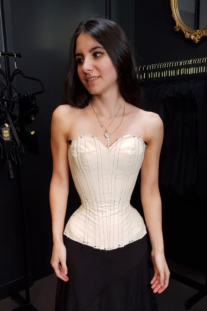 Overbust-corsetmaking-student-toile-©-Vanyanis