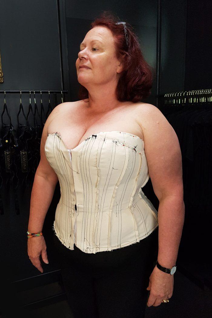 Overbust-corsetmaking-student-toile-2-©-Vanyanis