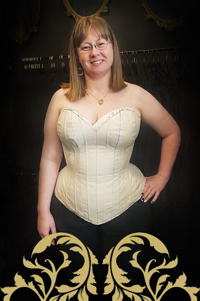 Overbust-corsetmaking-student-gina-toile-©-Vanyanis